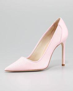 http://ncrni.com/manolo-blahnik-bb-perforated-patent-pump-pink-p-11480.html
