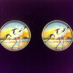 My first commissioned cufflinks for the owner of the recently completed commissioned painting!  #avocet #avocetcufflinks #birdcufflinks #artcufflinks #wearart #tinyartprints #wearableart
