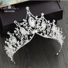 Baroque Big Tiaras Luxury Diamond Rhinestone Crowns Headpieces For Pageant Quinc. Baroque Big Tiaras Luxury Diamond Rhinestone Crowns Headpieces For Pageant Quinceanera 2018 Princess Hair Jewelry Bridal Flowers Cute Jewelry, Hair Jewelry, Wedding Jewelry, Jewelry Art, Jewlery, Silver Jewelry, Hair Accessories For Women, Fashion Accessories, Bijou Brigitte