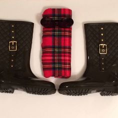 "[BOUTIQUE] Brown quilted rain boots Gorgeous dark brown quilted rain boots with gold buckle detail on outside part of each boot // pull on; no zipper // size 7 US/ Euro size 38 (fits up to a size 8) // 12.5"" boot shaft (includes heel in measurement) // 14"" calf circumference // Boutique Shoes Winter & Rain Boots"