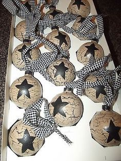 Primitive Crackle Painted Glass Ornaments ~ Tan, Black Star ~ GIngham Homespun I'd use red/white gingham Prim Christmas, Country Christmas, Homemade Christmas, Christmas Holidays, Cowboy Christmas, Diy Christmas Ornaments, Christmas Projects, Holiday Crafts, Christmas Decorations