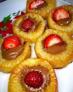 Chocolate Cake, Pineapple, Deserts, Fruit, Food, Cupcakes, Chicolate Cake, Chocolate Cobbler, Cupcake Cakes