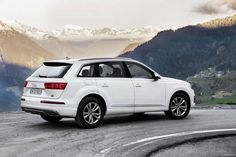 The 2016 Audi luxury SUV range has gained a new ultra-frugal variant, the ultra TDI quattro. The new engine uses the same base six-cylinder turbo diesel engine as is seen in the new-generation . Audi Q7 2015, New Audi Q7, My Dream Car, Dream Cars, Audi Q7 Price, Audi Q7 Interior, Interior Design Degree, Crossover Suv, Car Prices