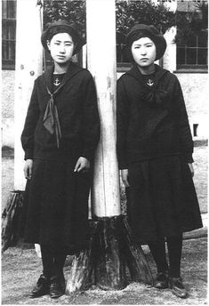 students of Fukuoka Jogakko 福岡 女学校, first school in Japan to introduce the sailor suit uniform, 1920s