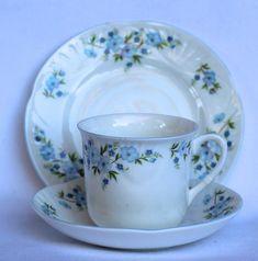Vintage Crown Staffordshire fine bone china teaset teacup tea Vintage China, Teacup, Bone China, Tea Set, Sydney, Bones, Crown, Unique Jewelry, Handmade Gifts