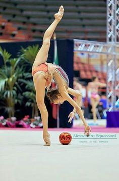 Gymnastics Flexibility, Gymnastics Training, Acrobatic Gymnastics, Sport Gymnastics, Olympic Gymnastics, Gymnastics Leotards, Gymnastics Problems, Olympic Games, Amazing Gymnastics