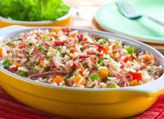 """<a href=""""http://mdemulher.abril.com.br/culinaria/receitas/arroz-panela-pressao-carne-seca-485939.shtml"""" target=""""_blank"""">Arroz de panela de pressão com carne-seca</a>: uma refeição completa!"""