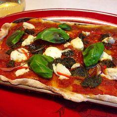 リコッタチーズピザがイタリーで美味しかったんだって - 131件のもぐもぐ - リコッタチーズとジェノベーゼソースの自家製ピザ by sasachanko