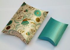 Pillow box template for gifts or favors