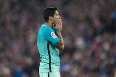 Luis Suarez of FC Barcelona reacts during the Copa del Rey Round of 16 first leg match between Athletic Club and FC Barcelona at San Mames Stadium on January 5, 2017 in Bilbao, Spain.