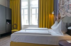 Zimmer & Suiten | Hotel Beethoven, Wien Hotel Gast, Hotels, Das Hotel, Bed, Furniture, Home Decor, Homemade Home Decor, Stream Bed, Home Furnishings