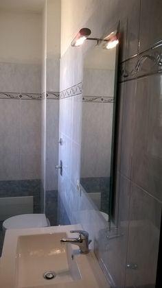 ristrutturazione nuovo bagno. Rivestimento: azzurro www.ldservices.it
