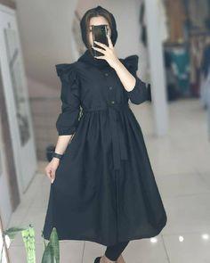 Casual Formal Dresses, Stylish Dresses For Girls, Elegant Dresses, Girls Dresses, Muslim Women Fashion, Islamic Fashion, Modesty Fashion, Fashion Dresses, Floral Homecoming Dresses