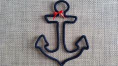 """Ancre marine en laine réalisée au tricotin coloris """"Marine"""""""