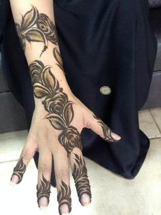 Eid without mehndi is incomplete so gilrs here is a collection of designs for your eid. The designs are randomly collected and does not belong to us. The collection is divided in simple mehndi design, complex and heavy design and mehndi design for foot.