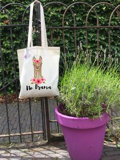 d1d35d8ba23 With this  bag she ll have no drama! This  llama bag will