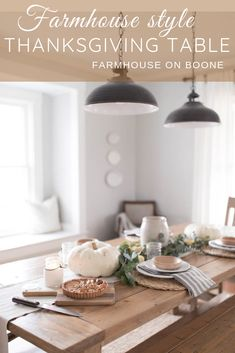 Popular Trend Farmhouse Fall Dining Room Decor Ideas - Master Home Decor Farmhouse Dining Room Table, Farmhouse Kitchen Decor, Dining Rooms, Modern Farmhouse, Dining Table, Cottage Farmhouse, Thanksgiving Table, Thanksgiving Decorations, Holiday Tables