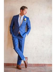 Wedding Suits Dapper groom in royal blue suit with saddle color shoes and pale blue tie. All white peony boutonniere - Photos by Drew Brashler Photography Blue Suit Brown Shoes, Blue Suit Men, Blue Suit Groom, Blue Groomsmen Suits, Bright Blue Mens Suit, Medium Blue Suit, New Blue Suit, Blue Suit Outfit, Black Suits