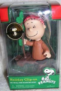 Peanuts Linus Holiday Clip-On Ornament