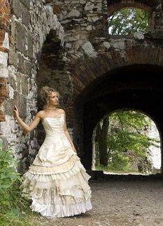 Awesome Celtic inspired wedding dress