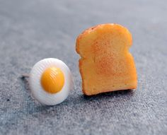 Egg and Toast Miniature Breakfast Earring Studs by MistyAurora, $20.00 haha these are awesome