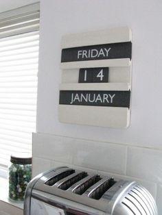 Perpetual calendar, Green and Blue