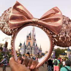 How to Enjoy Magic Kingdom as an Adult - Twin Mom Magic Wir möchten uns bedanken, wenn S. Disney World Fotos, Disney World Outfits, Viaje A Disney World, Disney World Trip, Disney Vacations, Disney Trips, Disney Worlds, Disney World Magic Kingdom, Disney Cruise
