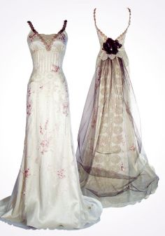 Claire Pettibone - Couture Bridal l Wedding Dresses, Bridal Gowns, Fashion… Claire Pettibone, Pretty Outfits, Pretty Dresses, Bridal Gowns, Wedding Gowns, Dress Vestidos, Vintage Gowns, Vintage Dress, Fashion Designer