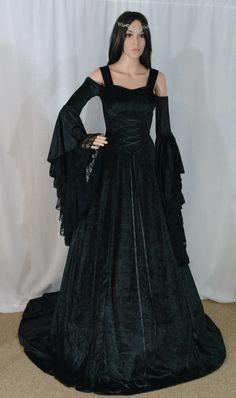 Vestido gótico vestido renacentista medieval por camelotcostumes                                                                                                                                                                                 Más