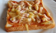 Paninis caseros al microondas. Sandwiches, Tapas, Calzone, Empanadas, Hawaiian Pizza, Crepes, Pasta, Meals, Quiches