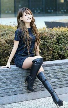 Beautiful Asian Women, Beautiful Legs, Sexy Boots, Black Boots, Thigh High Boots Heels, Skirts With Boots, Great Legs, Cute Asian Girls, Asian Fashion