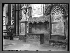 Tomb of Geoffrey Chaucer in Poets' Corner, Westminster Abbey, London, England. Chaucer Canterbury Tales, John Of Gaunt, Geoffrey Chaucer, High Middle Ages, Grave Markers, Effigy, Westminster Abbey, British Isles, Old Pictures