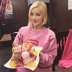 Birthday Wishes, Cute Girls, Soda, Instagram, Korean, Music, Spirited Away, Fine Women, Fashion Clothes