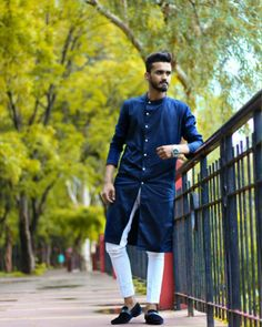 The absolute collection of the best Groom And Groomsmen Wedding Suit Styles And Attire Ideas of 2018 and beyond. Kurta Pajama Men, Kurta Men, Wedding Suit Styles, Wedding Dress Men, Indian Men Fashion, Mens Fashion Blog, Man Fashion, Designer Kurtis, Traditional Kurta For Men