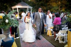 Alexander Homestead Barn Wedding Venue  #wedding #gardenwedding    Click Here: www.alexanderhomesteadweddings.com Charlotte, NC Photography: Carolina Portrait Designs