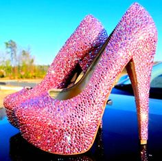 I dream about wearing things this amazing.. like for New Years.. but thats like the only time i would wear them!! ahh i want some!!