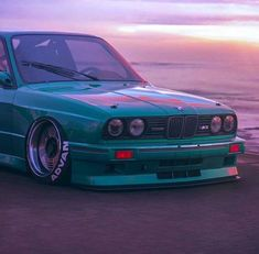 BMW E30 3 series teal