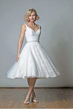 256cf0469da3 214 Best Tea Length Wedding Dress images in 2019 | Bridal gowns ...
