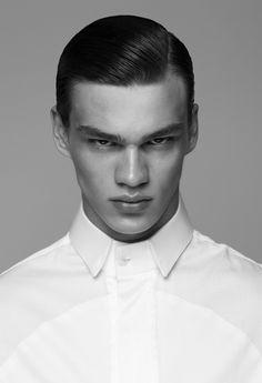 Les mannequins de Vogue Hommes International printemps-été 2014 Filip Hrivnak
