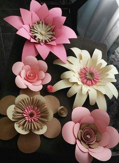 $70.00 Set Crepe Paper Flowers Tutorial, Large Paper Flowers, Tissue Paper Flowers, Paper Flower Backdrop, Giant Paper Flowers, Diy Flowers, Fabric Flowers, Paper Flower Patterns, Fleurs Diy
