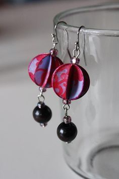 how to make these paper beads. would be great to match the paper/washer necklace!