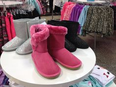 Ugg Boots, Uggs, Shoes, Fashion, Moda, Shoe, Shoes Outlet, Fashion Styles, Fashion Illustrations