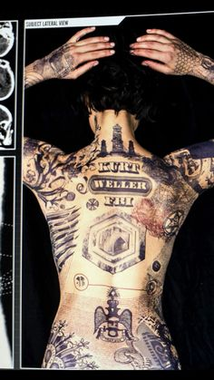 Blindspot's Jane Doe with tattoos that will solve the mystery of her life. Blindspot premieres Monday, September 21 at on NBC after the season premiere of The Voice. Jaimie Alexander, Tattoo Girls, Blindspot Tv, Doe Tattoo, Lady Sif, Blackout Tattoo, Blinde, Art Manga, Celebs