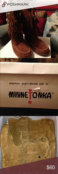 NIB* MINNETONKA* fringed suede boots, sz10 Brand new in the box, NEVER WORN, mid calf double fringed pull on suede leather MINNETONKA MOCCASIN BOOTS, Ladies sz10. Purchased in Cherokee NC last season. They need a new home! Minnetonka Shoes Moccasins