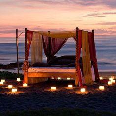 Connaissez-vous une meilleure manière de passer une soirée romantique ? ;-) #bali #love #romantic #night #voyageprivefrance #trip #tourisme #upgrade #travel #voyage #voyageprive #holiday #discover #seetheworld #instagram #instatravel #instavoyage #travelling #vacation #lovetravel #beautiful #tropical #beach #sea #sun #dream #paradise #evasion #detente #break Hotels-live.com via https://www.instagram.com/p/BD3W88XBMnU/ #Flickr