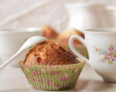 Muffins allégés à l'amande en poudre et citron : http://www.fourchette-et-bikini.fr/recettes/recettes-minceur/muffins-alleges-lamande-en-poudre-et-citron.html
