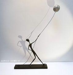 Wire Art Sculpture, Paper Mache Sculpture, Paper Mache Crafts, Wire Crafts, Sculptures Sur Fil, Metal Art, Diy Art, Creative Art, Art Lessons