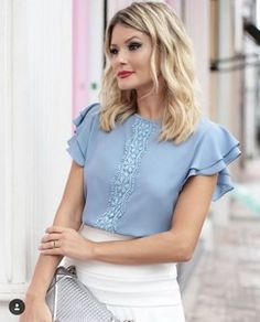 177 Likes 1 Comments Blouse And Skirt, Blouse Dress, Blouse Styles, Blouse Designs, Formal Tops, Mode Simple, Summer Work Outfits, Trendy Tops, Corsage