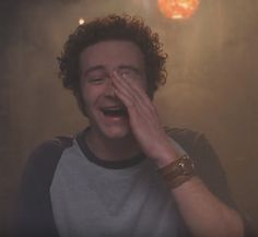 Steven Hyde (That show), smoking weed in Eric Foreman's basement. Hyde That 70s Show, Thats 70 Show, That 70s Show Memes, Gilmore Girls, Movies Showing, Movies And Tv Shows, 70s Aesthetic, Cinema Tv, The Rocky Horror Picture Show