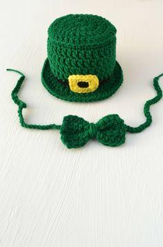 caf0b7ee457 Crochet St. Patrick s Day Leprechaun Hat Bow Tie Newborn Baby Photography  Prop Newborn Photo Prop Newborn Photo Outfit Boy Baby Boy Handmade